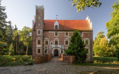 Zamek na wodzie w Wojnowicach niedaleko Wrocławia