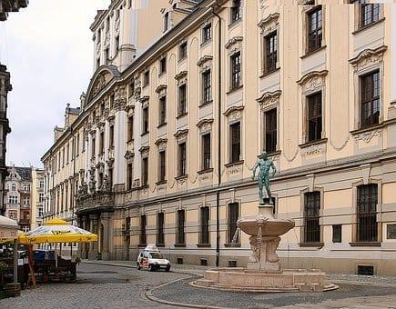 Szkoły wyższe we Wrocławiu. Gdzie się uczyć?