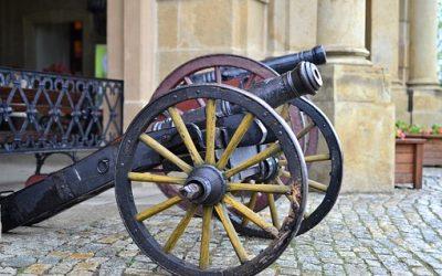 Sprawdź terminy darmowego oprowadzania po Sali Broni Palnej w Muzeum Militariów!