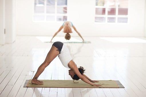 Świąteczna równowaga – wybierz się na jogę przy muzyce w Studio BWA Wrocław