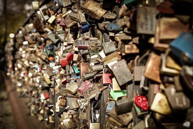 Most Tumski do remontu, co z kłódkami zakochanych?